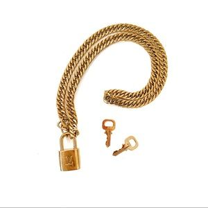LOUIS VUITTON LOCK & KEY CHUNKY CHAIN NECKLACE
